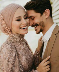 Muslim Fashion, Modest Fashion, Hijab Fashion, Fashion Outfits, Wedding Couples, Cute Couples, Muslim Couples, Showgirls, Wedding Photoshoot