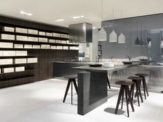 Lacquered wooden kitchen | Design Carlo Colombo