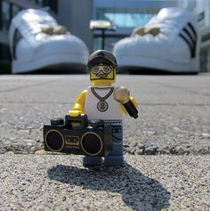 LEGO Collectible Minifigures Series 3 : Rapper - My Adidas