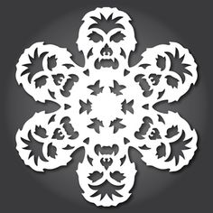 ideas for diy paper snowflakes templates star wars Paper Snowflake Template, Paper Snowflake Patterns, Paper Snowflakes, Snowflake Designs, Snowflake Printables, Theme Star Wars, Star Wars Party, Star Wars Weihnachten, Star Wars Snowflakes