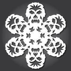 ideas for diy paper snowflakes templates star wars Paper Snowflake Template, Paper Snowflake Patterns, Paper Snowflakes, Snowflake Designs, Snowflake Printables, Free Printables, Theme Star Wars, Star Wars Party, Star Wars Weihnachten