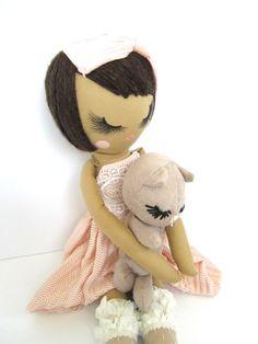 Réparer la poupée de chiffon sur commande
