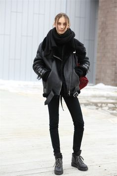 Great blackout #JuliaBergshoeff at #NYFW. Acne shearling