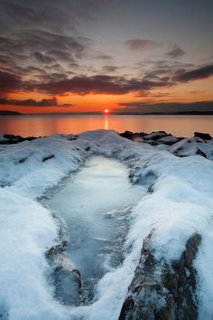 Frozen Pond, Oslo, Norway, by Lars Øverbø, on 500px.