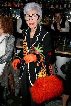 Iris Apfel. Amazing woman.  | http://armariodemifamilia.blogspot.com |
