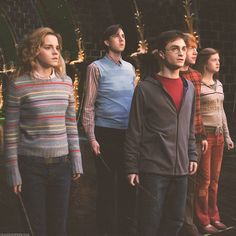 / harry potter and the order of the phoenix Harry James Potter, Harry Potter Tumblr, Mundo Harry Potter, Harry Potter Pictures, Harry Potter Hermione, Harry Potter Characters, Harry Potter Fandom, Harry Potter Universal, Harry Potter World