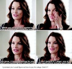 Ashley Marin is my favorite PLL Mom. Pretty Little Liars Quotes, Pretty Litle Liars, Little Things Quotes, Abc Family, Family Show, Laura Leighton, Pll, Best Shows Ever, Favorite Tv Shows