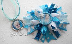 Hey, I found this really awesome Etsy listing at https://www.etsy.com/listing/188908639/frozen-hair-bow-and-frozen-necklace-set