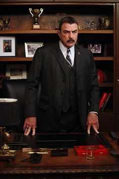 100 Faces of Frank Tom Selleck Blue Bloods, Blue Bloods Tv Show, Jesse Stone, Blood Photos, Perfect Posture, Val Kilmer, Friends Tv Show, Family Affair, Classic Tv