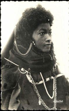 Africa   Haratin woman. Ouargla, Southern Algeria   Photographer unknown