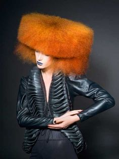Hair fashion <-- dafuq is dis? Her hair looks like a freaking couch or something