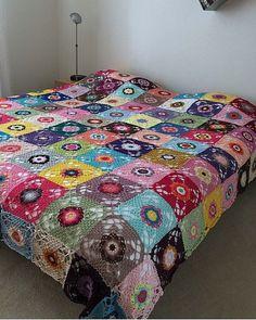 Crochet Flower Patterns, Crochet Stitches Patterns, Crochet Motif, Crochet Granny, Bed Covers, Pillow Covers, Crochet Bedspread, Crochet Blankets, Manta Crochet