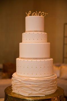 Love it sweet! Stunning ruffle cake with minor diamond detail. Cake artist: #ChezBonBon Brielle Fratellone Photo by: @erikadelphotos #weddingcake #cake #rufflecake #fontainebleauwedding #somethingbleau
