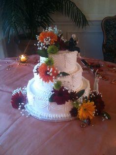 Autumn Flowers Ideas for  #wedding #Cake. www.teatimeinc.com