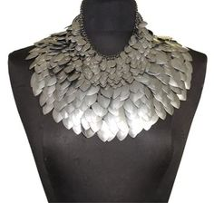 Fish scales, layout Disney Princess Characters, Noir Jewelry, Fish Scales, Beauty Art, Art Object, Latest Video, Corsets, Armour, Collars