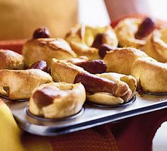 Oooh, mini toad-in-the-holes!!! I love this idea! Looks easier than normal toad-in-the-hole, and the boys will love them! :)