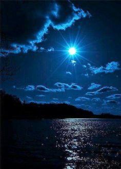 Luna  sobre el Mar de Aragon