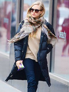 Star Tracks: Monday, March 10, 2014 | COAT CHECK | A well-wrapped Amanda Seyfried gets her hands on some sweet treats while running errands Friday in N.Y.C.