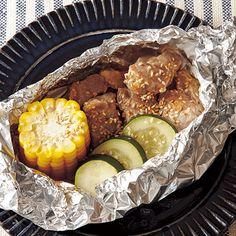 レタスクラブの簡単料理レシピ みそマヨ風味が野菜にも移って美味「豚と夏野菜のごまホイル焼き」のレシピです。