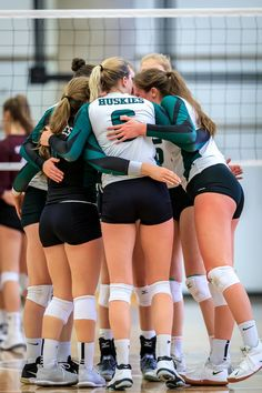 Volleyball Skills, Female Volleyball Players, Volleyball Shorts, Women Volleyball, Beach Volleyball, Winifer Fernandez, Gymnastics Photos, Beautiful Athletes, Cycling Girls