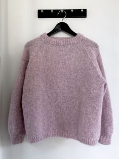 Candyfloss sweater - FiftyFabulous Source by Sweater Knitting Patterns, Free Knitting, Form Crochet, Knit Crochet, Bohemian Style Clothing, Student Fashion, Sweater Weather, Pulls, Outfit
