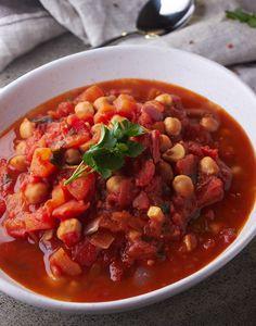 Chickpea Tomato Soup via @https://au.pinterest.com/dvegans/