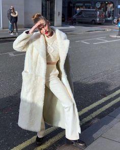 32 Women's Street Style Fashion Killa, Fashion Models, Fashion Trends, Fashion Tips, Street Style Looks, Street Style Women, Mode Outfits, Fashion Outfits, Womens Fashion