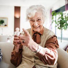 Adult Children Report Higher Satisfaction When Parents Move to Assisted Living Nursing Major, Best Nursing Schools, Nursing Degree, Nursing Jobs, Online Nursing Programs, Nursing Diagnosis, Aging Parents, Home Health Care, Certificate Programs