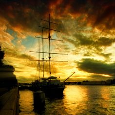 Amazing #golden #sunset on a #cloudy #sky with beautiful #reflections on the #sea! Get it for your #iPadWallpaper, #iPadRetinaWallpaper  Find out more galleries at http://ipadretinawallpaper.com/gallery.php?cat=Landscapes