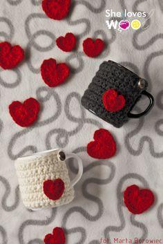 crocheted mug cozies with hearts
