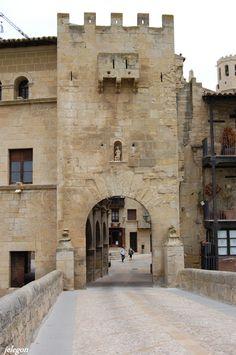 Puerta de San Roque-Valderrobres Teruel Spain