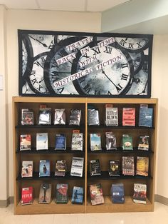 School Library Displays, Middle School Libraries, Elementary School Library, Library Bulletin Boards, Bulletin Board Display, Library Science, Library Activities, Library Books, Library Ideas