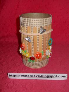 Dá para criar e transformar bobinas de papel em porta-trékos divertidos!