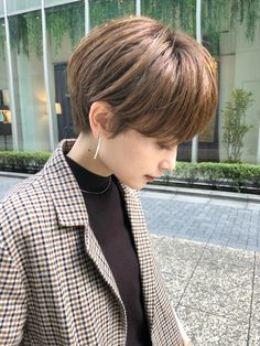 Short Hair Tomboy, Short Hair Outfits, Short Grunge Hair, Short Hair Cuts, Japanese Short Hair, Korean Short Hair, Japanese Hairstyle, Scarf Hairstyles, Cool Hairstyles