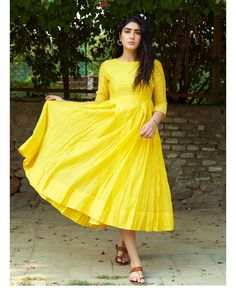 💛💛💛 Girls Formal Dresses, Party Wear Dresses, Casual Dresses, Fashion Dresses, Women's Fashion, Covet Fashion, Fasion, Indian Fashion, Casual Wear