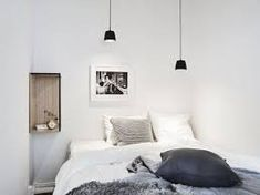 Bedroom design guide Area rugs are an excellent addition to your rooms. However, large area rugs should not be found in small rooms. Master Bedroom, Bedroom Decor, Large Area Rugs, Girl Decor, Entertainment Room, Kid Spaces, Small Rooms, Playroom, Ceiling Lights