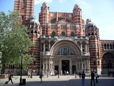 Westminster Cathedral - often missed by visitors, this striking neo-Byzantine style cathedral was completed in 1903 and is home to the Catholic Church in England and Wales. Packed house on Good Friday! England And Scotland, England Uk, London England, Byzantine Architecture, Revival Architecture, Architecture Design, Secrets Of London, Westminster Cathedral, Episcopal Church