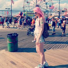 #coneyisland #look #mode #style #summer #ny #newyork #pinkhair #pastelhair #beach #summer #newbalance #asos #tattoogirl #tattoo #inked #inkedgirl #sun