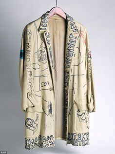 Personal effects: A leather jacket tagged by Jean-Michel Basquiat and other personalities . Look Fashion, Diy Fashion, Fashion Outfits, Womens Fashion, Fashion Design, Custom Clothes, Diy Clothes, Sweatshirt Jackets Diy, After Earth