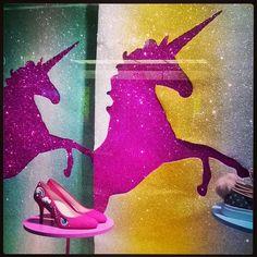 #unicorn #yksisarvinen #MinnaParikka #kimaltelevaa #pinkkiä