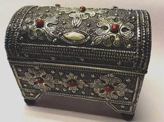 Moroccan Small Treasure Chest Trunk Jewelry Box  & Hammered Silver Alloy  Metal #BERBER
