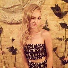 annasophiarobb❤️ Annasophia Robb, Just Pretend, Tumblr, Funny Faces, Pixie, We Heart It, Strapless Dress, Sexy, Pretty