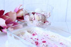 Rezepte mit Herz ♥: Raffaello Eis mit Himbeer Strudel - ohne Eismaschine