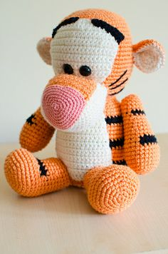 Patons Free Knitting Patterns Sweaters : 1000+ images about crochet animals on Pinterest Amigurumi, Free Crochet and...