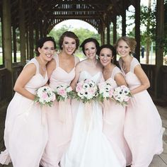 It's W E D D I N G Wednesday y'all // I had so much fun with this sweet bridal party // Message me to book your wedding today ❤️