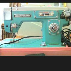 My vintage sewing machine!!