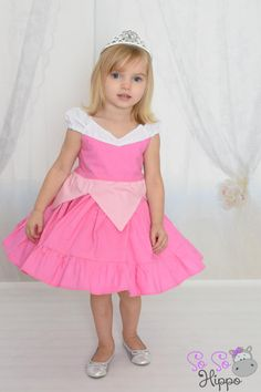 Sleeping Beauty Aurora princess dress by SoSoHippo on Etsy Princess Aurora Dress, Disney Princess Dresses, Disney Dresses, Cute Little Girls, Little Girl Dresses, Girls Dresses, Flower Girl Dresses, Sleeping Beauty Dress, Tutu