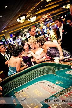 Mandalay Bay Vegas wedding via photoalberta.ca