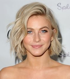 110 Julianne Hough Hair - Fashiotopia Sometimes all it requires is a small change to earn a difference. however, it was so well worth it! Long Hair With Bangs, Haircuts For Long Hair, Short Hairstyles For Women, Hairstyles With Bangs, Short Haircuts, Haircut Short, Pixie Hairstyles, Haircut Styles, Hairstyles 2018