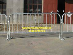 galvanized Crowd Control Barriers  www.wiremeshfence.cc